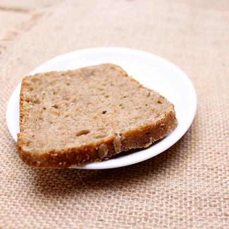 Хлеб кусочек серый